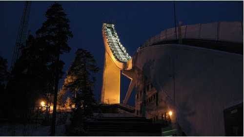 holmenkollen-night.jpg