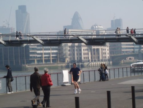 london-south-bank-millennium-bridge-gherkin-tower-42-runner.jpg