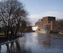 royal-shakespeare-theatre-river-stratford-upon-avon-england-2008-by-roadsofstone.jpg