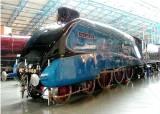 mallard lner steam locomotive 4468 national railway museum york england wikimedia commons